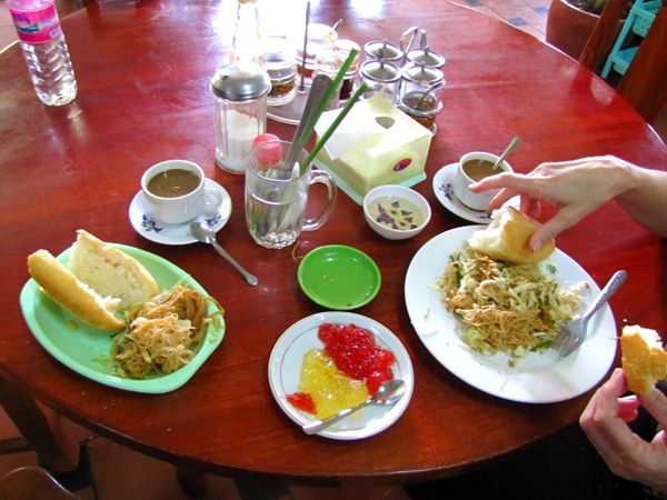 Breakfast Phnom Penh