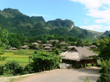 Village lane of Giang Mo