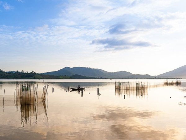 lak lake in da lat