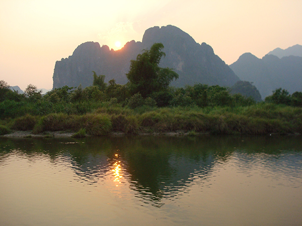 sunset-over-the-nam-song-river