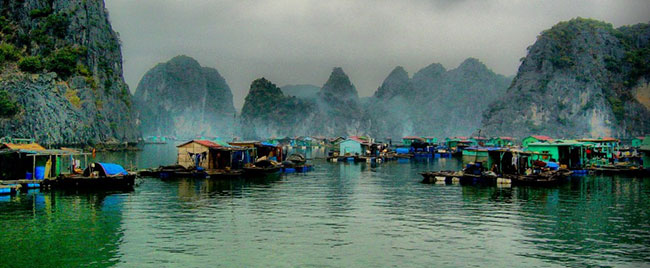 vung vieng Floating village fishing