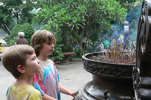 vietnam-holidays-with-kids (6)