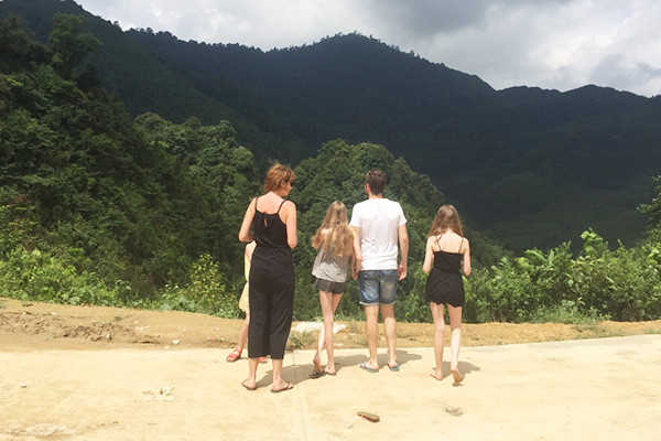 family-trip-to-vietnam