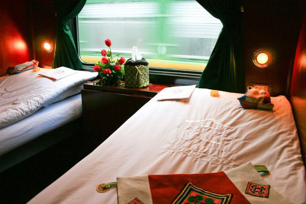Train from Hanoi to Sapa Vietnam (4)