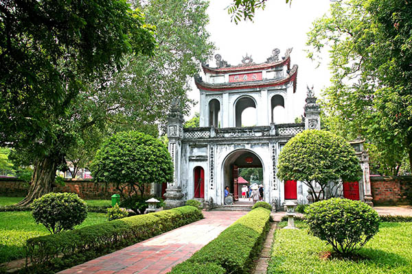 north vietnam tour