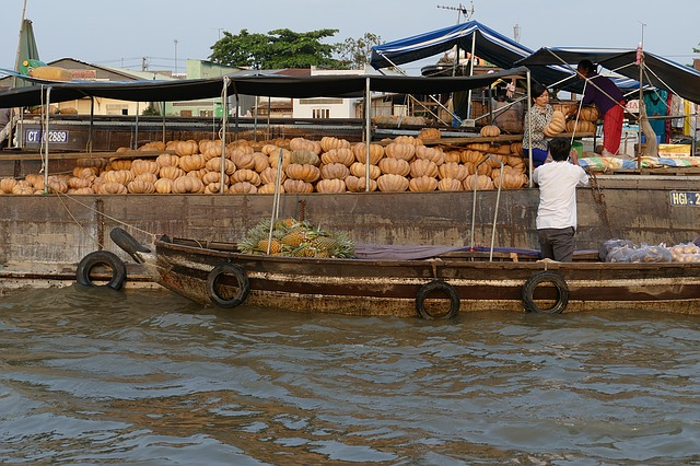 floating market mekong delta vietnam how to - cai be