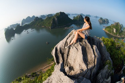 halong poem mountain