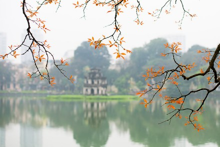 how to travel hanoi
