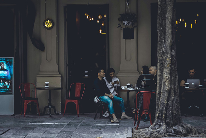 vietnam-sidewalk-coffee