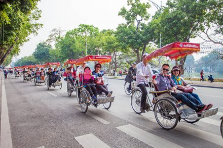 Hanoi city itinerary to discover most highlights Hoan Kiem Lake